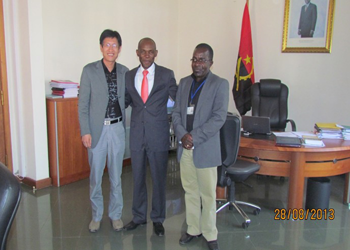Deputy Governor of Angola Bie Province JOSE TCHIVELA and Municipal Project Director ANDRE KAQUARTA met with Group Vice President Ma Guokun